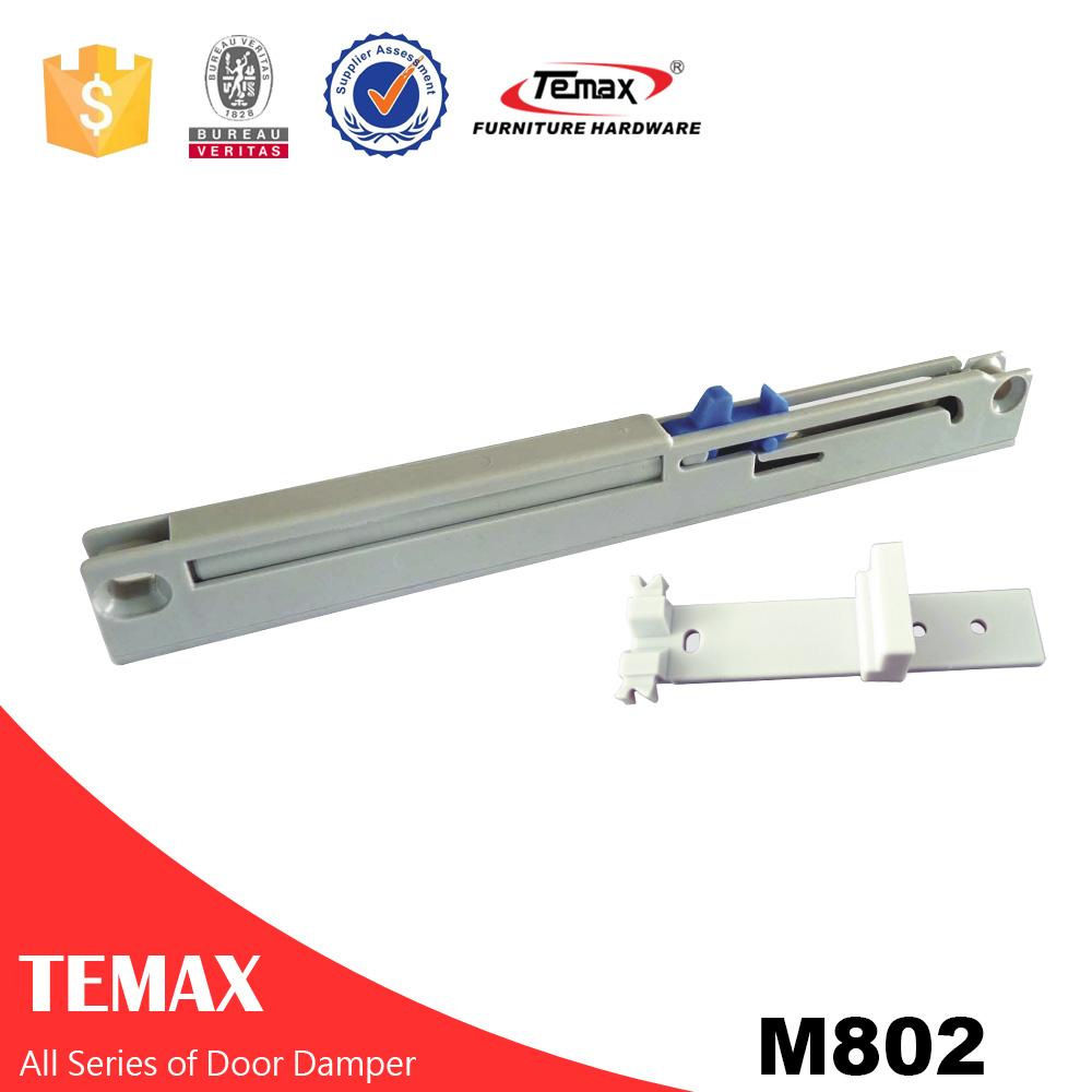 Çekmece veya sürgülü dolap kapısı için yumuşak kapama sistemi
