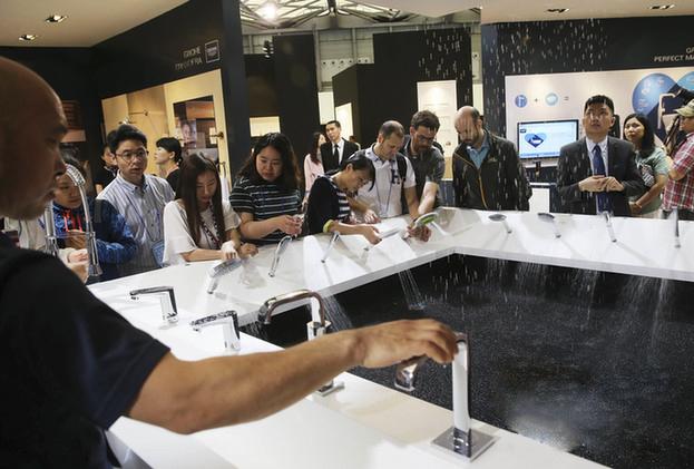هذه هي تجربة الجمهور في معرض شنغهاي كونترتوب المطبخ وصنبور دش اليد